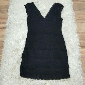 Nikibiki Women's Black fitted V-neck Size Large